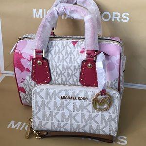 💜🌸mk Satchel set🌸crossbody/aria bag & wallet